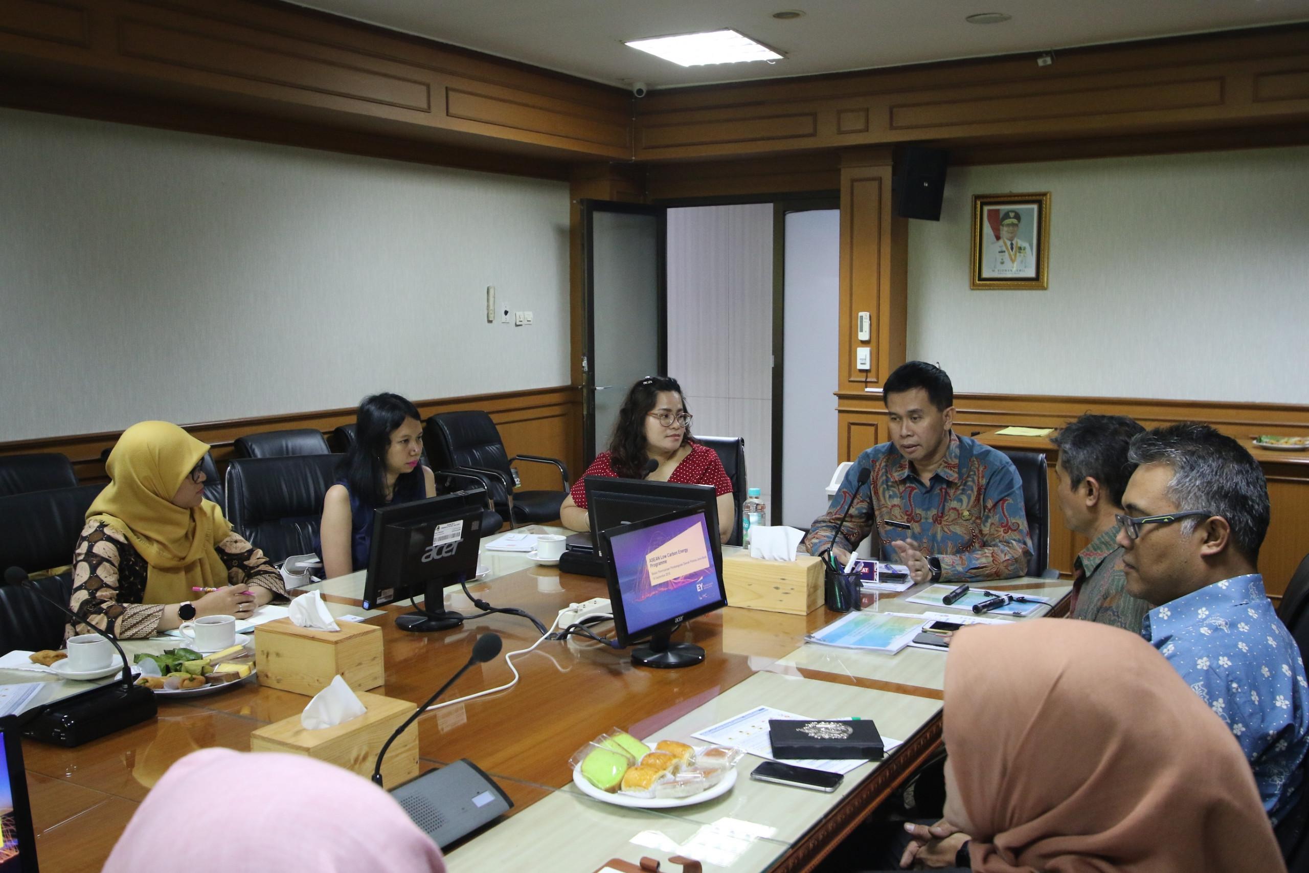 KPBU Jabar - Bappeda Jabar Terima Kunjungan EY (Perwakilan Duta Inggris)
